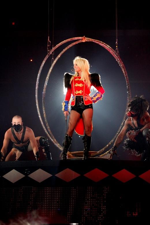 britney-spears-cirkus-2009